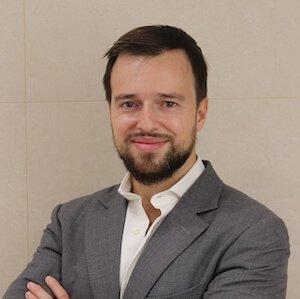 Dr. Miguel Fernández Calderón
